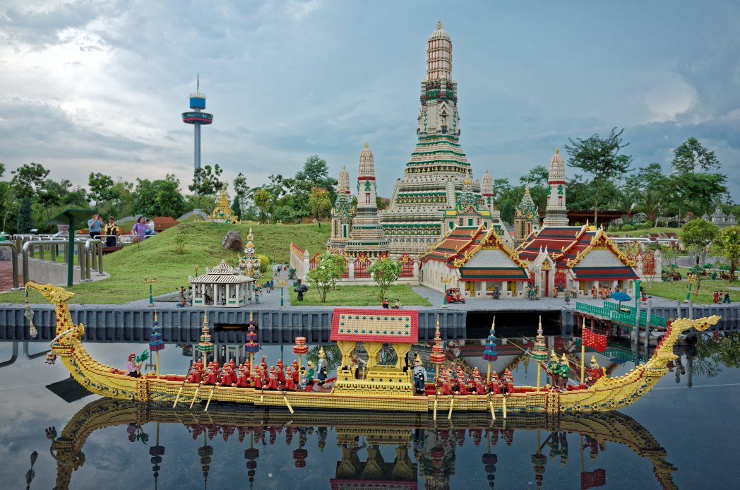 Buddhist stupa and boat made from lego